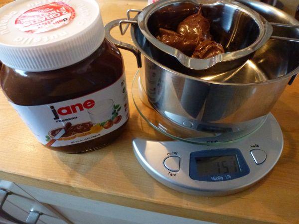 Nutella für Sahne-Giotto Füllung Haselnussbiskuitt